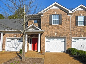 Brentwood Pointe Condominiums in Franklin and Brentwood TN have newer and older units to provide lots of options to buyers
